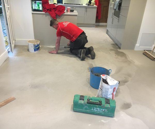 fitting lvt flooring leicester
